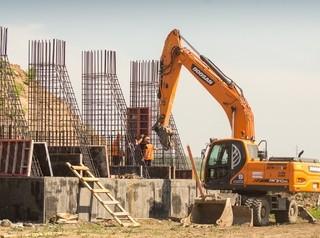 Темпы строительства переезда в Солонцы-2 назвали слишком медленными