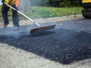 Кемеровские дорожники вышли на ремонт улиц
