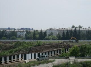 Под Центр по хоккею с мячом в Иркутске начали готовить участок