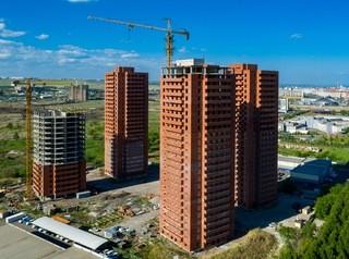 Подрядчик ЖК «Квадро» пообещал сдать три дома до конца 2019 года