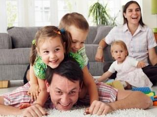 Больше многодетных семей смогут получить 450 тысяч рублей на ипотеку