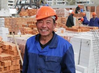 Деятельность застройщика в Улан-Удэ приостановили из-за рабочих-нелегалов