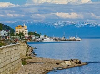 Прокуратура назвала незаконным проект берегоукрепления Листвянки