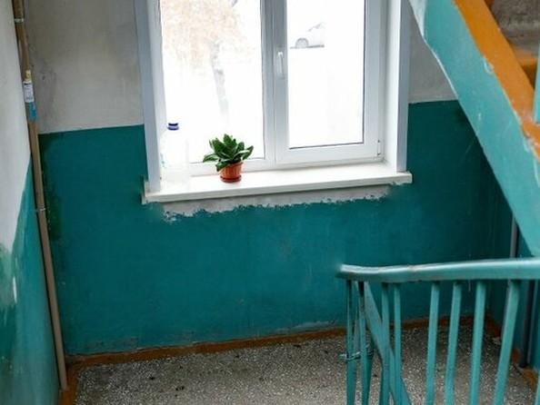 Продам 2-комнатную, 46 м², Новороссийская ул, 13А. Фото 5.