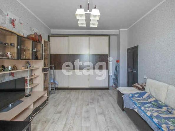 Продам 2-комнатную, 53 м2, Строителей пр-кт, 22. Фото 4.