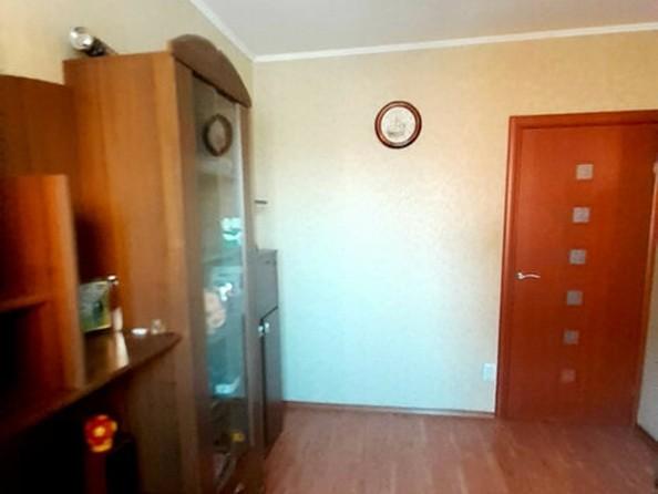 Продам 3-комнатную, 66 м², Лазурная ул, 22. Фото 3.