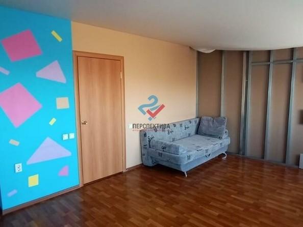 Продам 2-комнатную, 55.4 м², Георгия Прибыткова ул, 10/1. Фото 3.