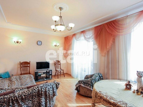 Продам 3-комнатную, 74.8 м², Октябрьская ул, 19. Фото 1.