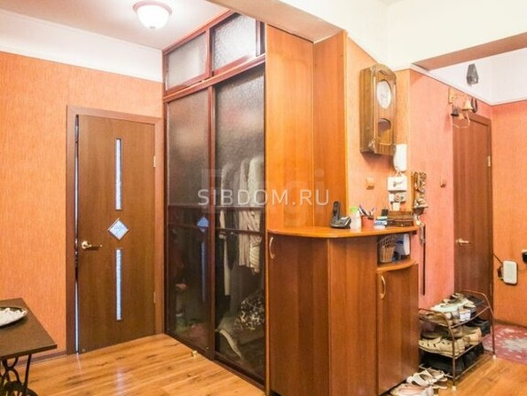 Продам 3-комнатную, 94.7 м², Строителей Проспект, 58. Фото 2.