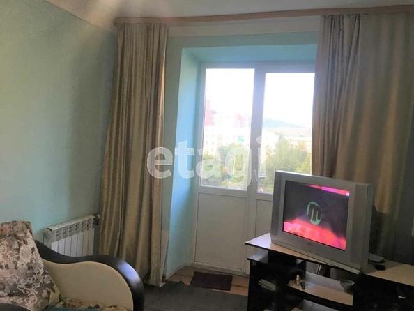 Продам 2-комнатную, 44 м2, Октябрьская ул, 1Б. Фото 2.