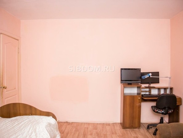 Продам 3-комнатную, 73.3 м², Калашникова ул, 18. Фото 3.