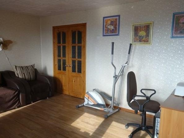 Продам 4-комнатную, 77 м², Комарова ул, 21. Фото 4.