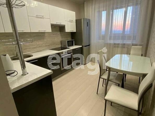 Продам 2-комнатную, 58 м², Ключевская ул, 6Д. Фото 5.