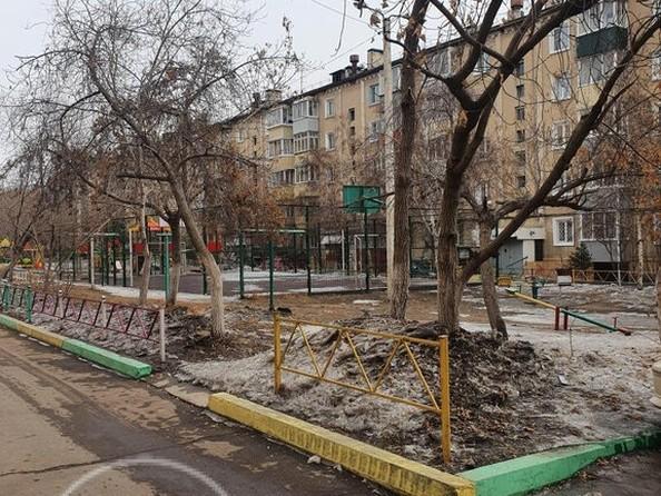 Продам 2-комнатную, 50 м2, Комсомольская ул, 4. Фото 2.