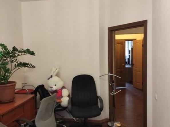 Продам 3-комнатную, 75.5 м2, Байкальская ул, 202/10. Фото 11.
