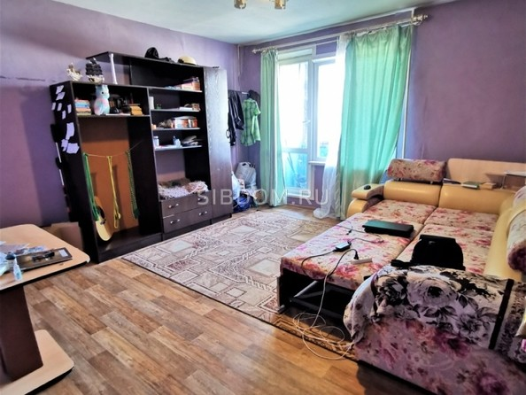 Продам 2-комнатную, 48 м2, Радужный мкр. Фото 4.