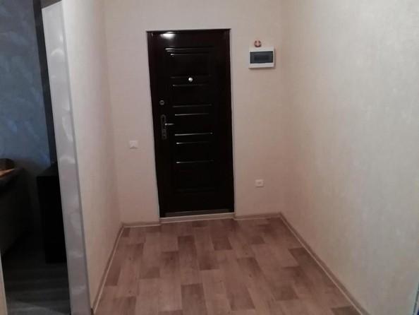 Продам 2-комнатную, 54 м2, Стахановская ул, 1а. Фото 3.