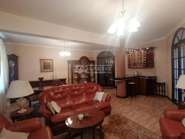 Продам 4-комнатную, 129.7 м², Весенняя ул, 15. Фото 1.