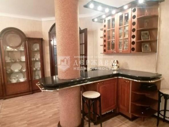 Продам 4-комнатную, 129.7 м², Весенняя ул, 15. Фото 3.