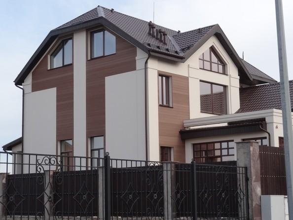 Облицовка фасадов коттеджей и частных домов. Фото 2.