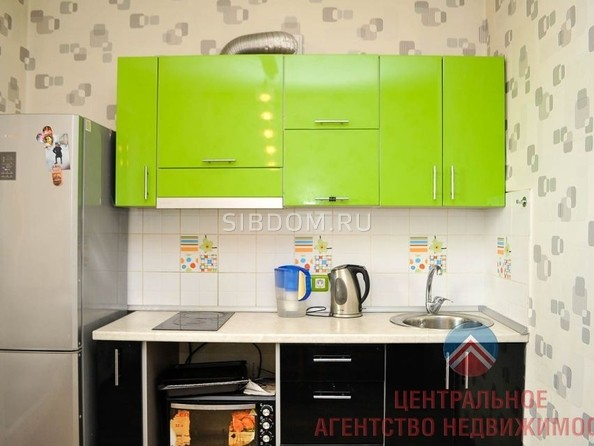 Продам 1-комнатную, 33 м2, Сержанта Коротаева ул, 1. Фото 3.