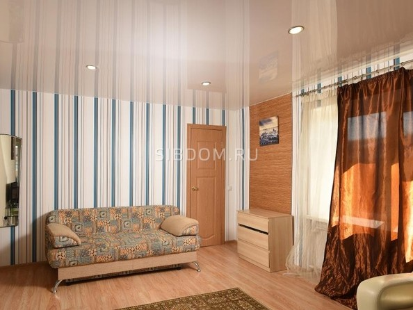Сдам посуточно в аренду 1-комнатную квартиру, 33 м², Омск. Фото 3.