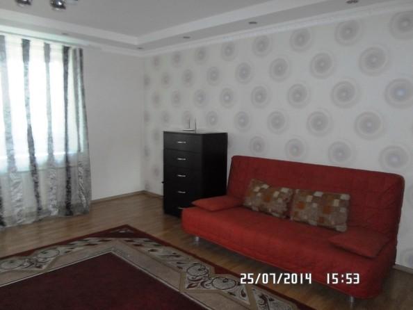 Сдам посуточно в аренду 2-комнатную квартиру, 70 м², Омск. Фото 3.