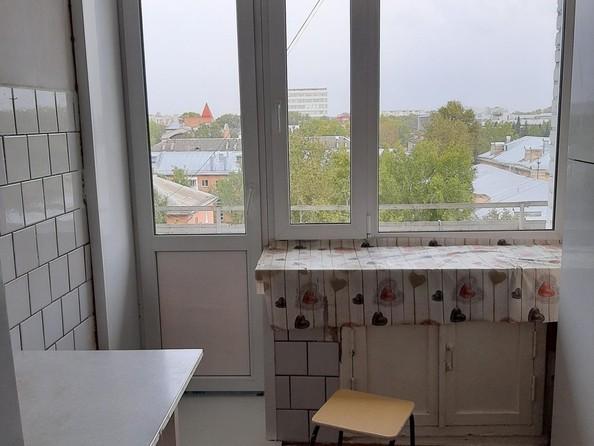 Продам 3-комнатную, 72 м², Кирова пр-кт, 38. Фото 1.