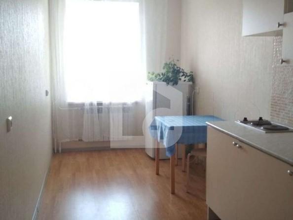 Продам 1-комнатную, 45.3 м2, Большая Подгорная ул, 22. Фото 1.