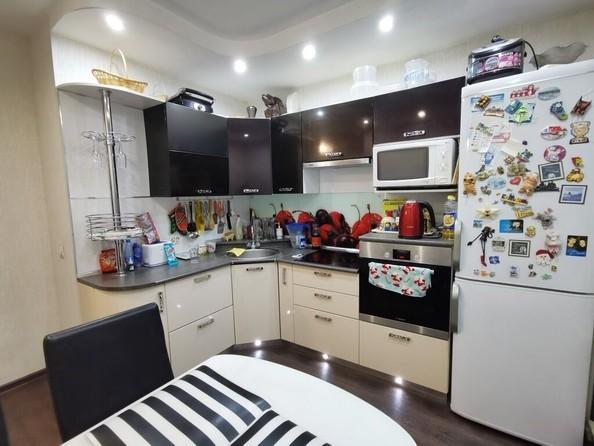 Продам 3-комнатную, 71.2 м², Ленинградская ул, 34. Фото 1.