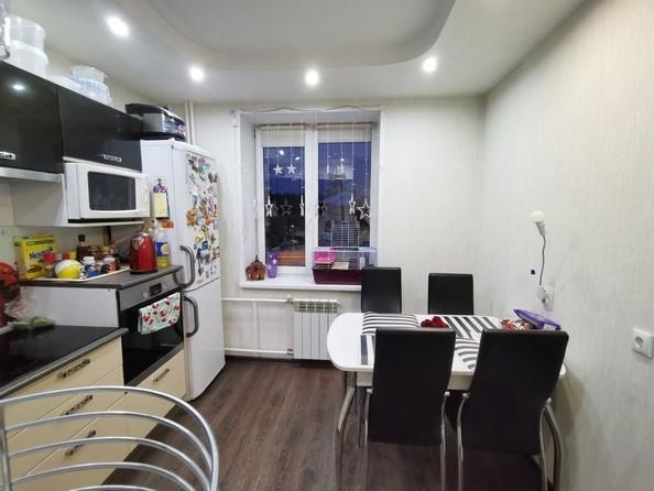 Продам 3-комнатную, 71.2 м², Ленинградская ул, 34. Фото 2.