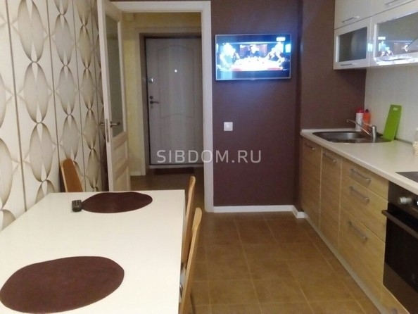 Сдам в аренду 1-комнатную квартиру, 50 м², Томск. Фото 1.